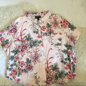 Plus Size Hawaiian Pattern Cropped Button-Up